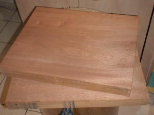 kayu-mahogany